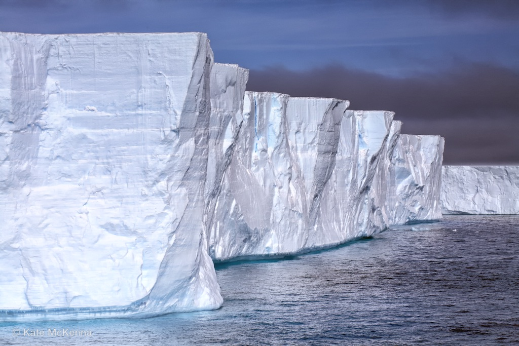 photo tabular iceberg