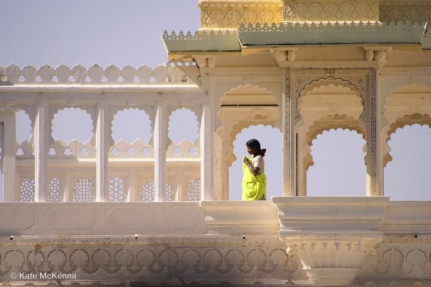 photo lady in green sari